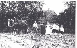 Familien Bach i høsttøj